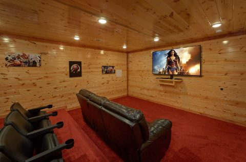 Luxury 6 Bedroom Cabin with Theater Room - 1 Amazing Lodge