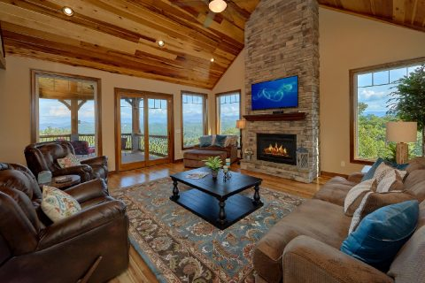 Luxury 4 Bedroom Cabin Sleeps 8 - 2nd Choice