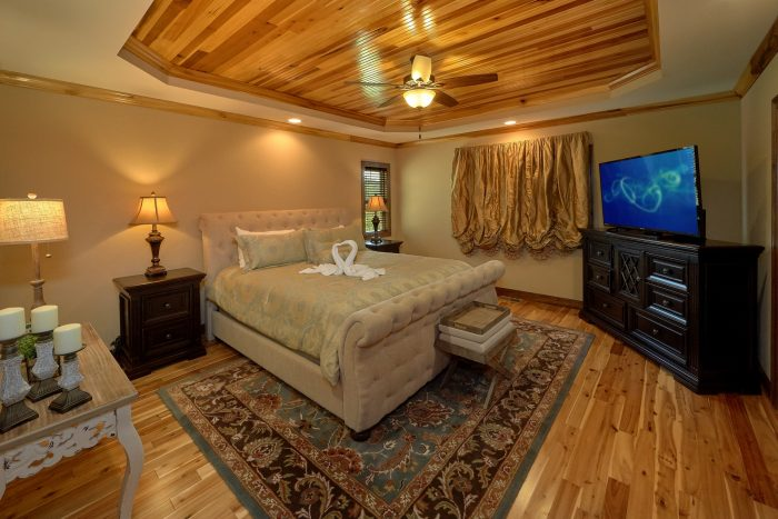 Spacious Master Suites Main Floor Bedroom - 2nd Choice