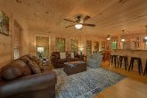 Spacious 5 Bedroom Cabin with Living Room & WiFi