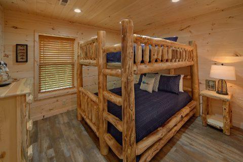 Luxury 5 Bedroom Cabin with Queen Bunkbeds - 3 Little Bears