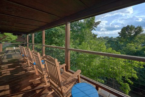 5 Bedroom Cabin in Alpine Mountain Village - 3 Little Bears