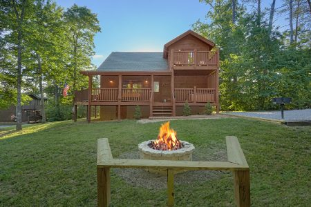 5 O'Clock Somewhere: 3 Bedroom Sevierville Cabin Rental