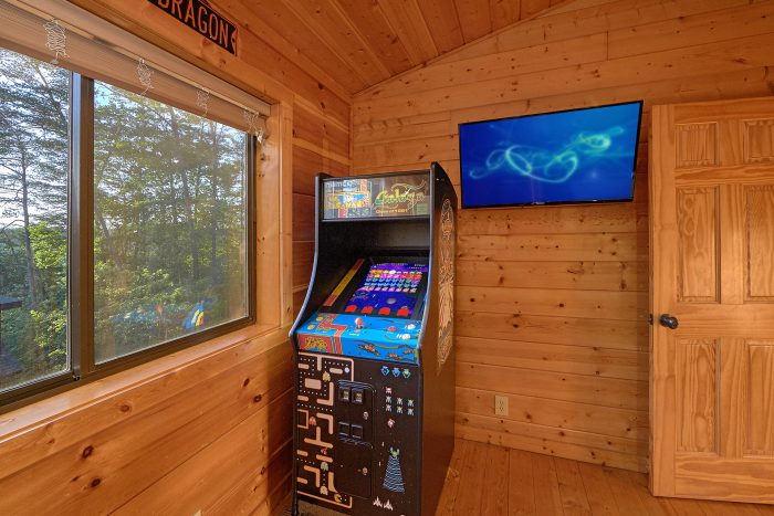 3 Bedroom with Game Room and Arcade Game - 4 Paws