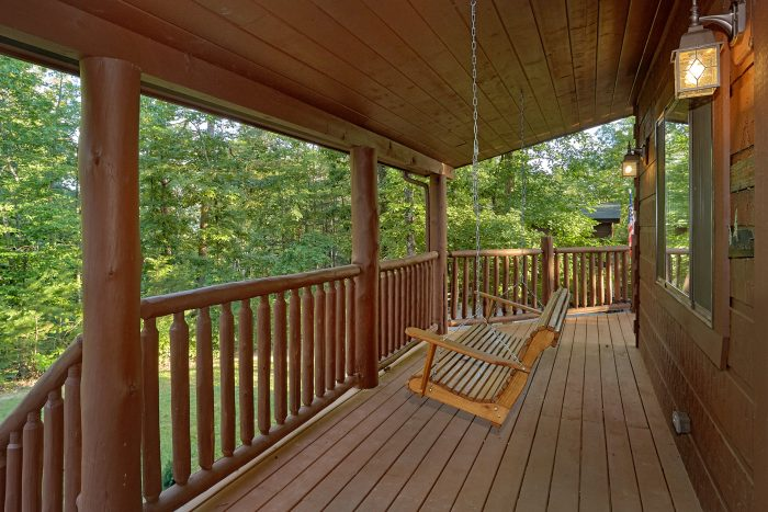 Outdoor Seating and Eating 3 Bedroom Cabin - 4 Paws
