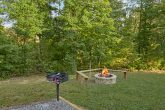 Fire Pit 3 Bedroom Cabin Sleeps 6