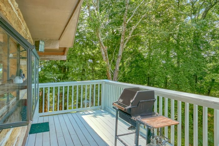 3 Bedroom Cabin with Grill, Views & Picnic Area - 4 Seasons Gatlinburg