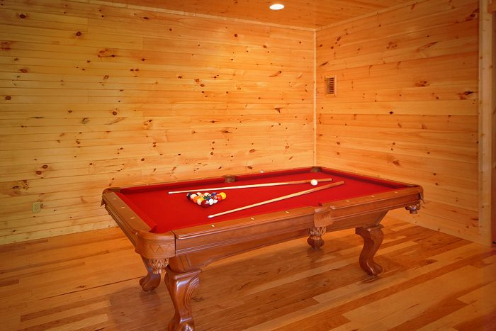 Cabin with Premium Pool Table in Pigeon Forge - 4 Your Pleasure