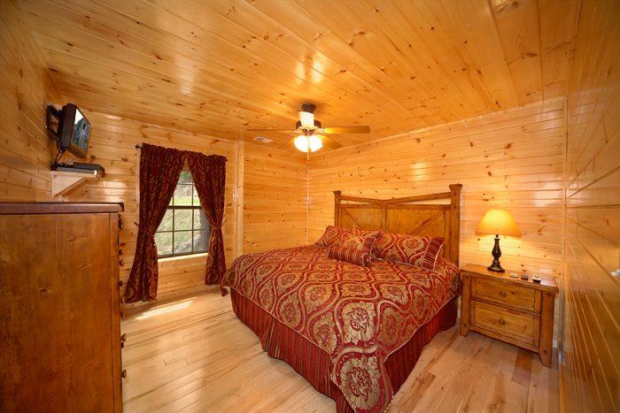 Cozy 3 Bedroom Cabin near Dollywood - 5 O'Clock Somewhere