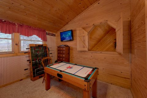 2 Bedroom cabin with air hockey and foosball - A Bear Adventure