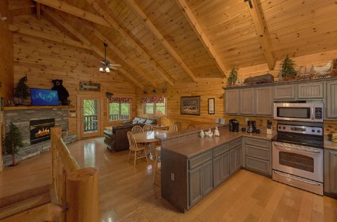 Gatlinburg Cabin with Premium King Bedrooms - A Bear Affair