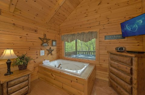 Premium Gatlinburg Theater Cabin - A Bear Affair