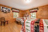 5 Main Floor Bedrooms Sleeps 20 Gatlinburg