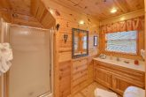 Premium 2 bedroom cabin with 2 private baths