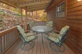 2 Bedroom Cabin withLots of Deck Space