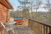 Rustic 2 Bedroom Cabin with Hot Tub and Deck