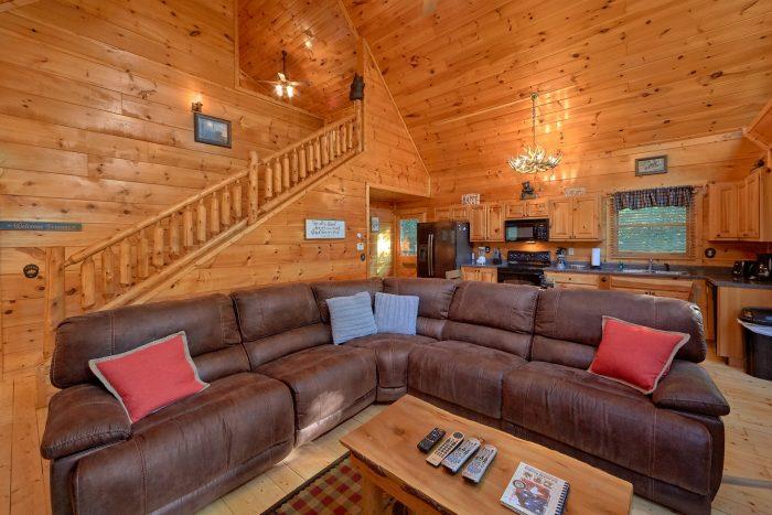 Premium 2 Bedroom Cabin Sleeps 8 - A Bear's View