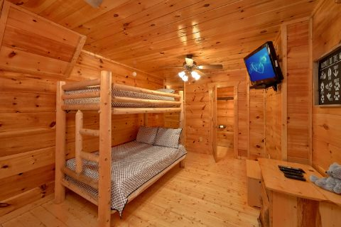 Premium 2 Bedroom Cabin with Twin Bunk Beds - A Bear's View