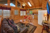 Rustic 2 Bedroom Cabin with Spacious Living Area