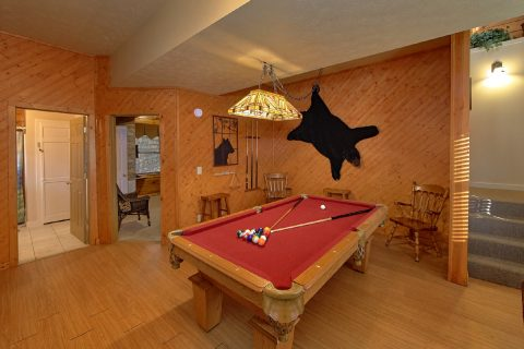 2 Bedroom Cabin with Pool Table and Game Room - A Beary Happy Place