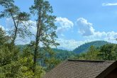 Rustic 2 Bedroom Cabin Sleeps 8 with a View