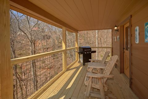 2 Bedroom Cabin with Grill Sleeps 6 - A Beary Special Place