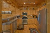 Full Kitchen 3 Bedroom Cabin Sleeps 10