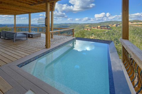 Premium 5 bedroom cabin rental with private pool - A Castle in the Clouds