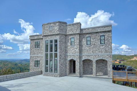 Luxury stone Castle rental cabin in Gatlinburg - A Castle in the Clouds