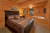 2 Bedroom Cabin with 2 Queen Suites