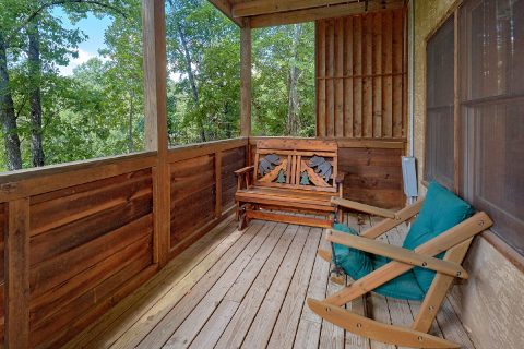 Cozy 2 Bedroom Cabin in the Smoky Mountains - A Cozy Cabin