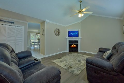Beautiful 2 Bedroom Vacation Home in Creekwalk - A Cozy Cottage
