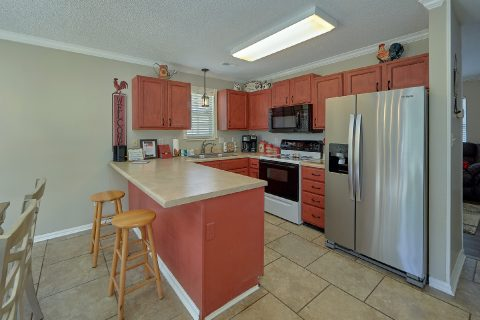 Spacious Kitchen 2 Bedroom Sleeps 6 - A Cozy Cottage