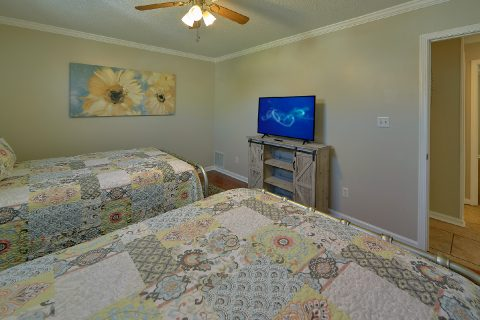 Pigeon Forge 2 Bedroom Vacation Home - A Cozy Cottage