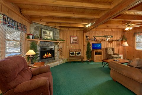 2 Bedroom Cabin Sleeps 8 Open Floor Plan - A Creekside Retreat