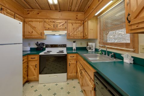 Pigeon Forge 2 Bedroom Cabin Sleeps 8 - A Creekside Retreat