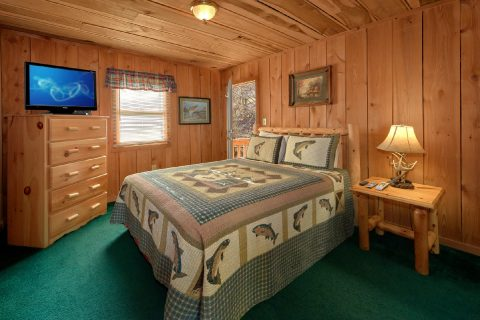 Main Floor Bedroom 2 Bedroom Cabin - A Creekside Retreat