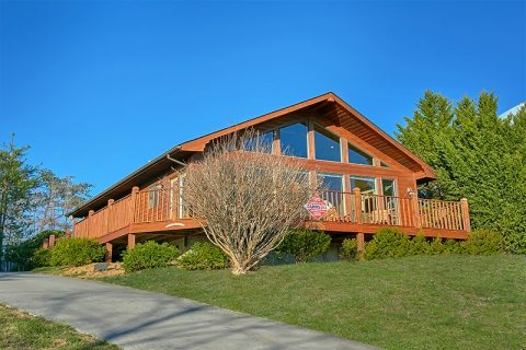 Pigeon Forge 2 Bedroom Cabin with Views - A Dream Come True