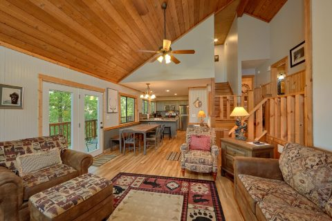 Spacious cabin with fireplace and sleeper sofa - A Fieldstone Lodge