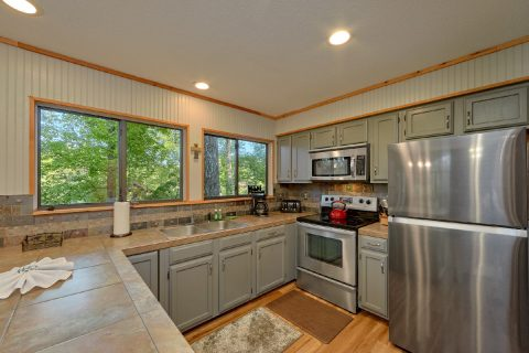 4 Bedroom cabin with full kitchen - A Fieldstone Lodge