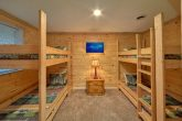 4 bedroom cabin with 4 twin bunk beds