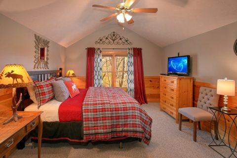 3 Bedroom Cabin with Spacious Bedrooms - A Grand Getaway