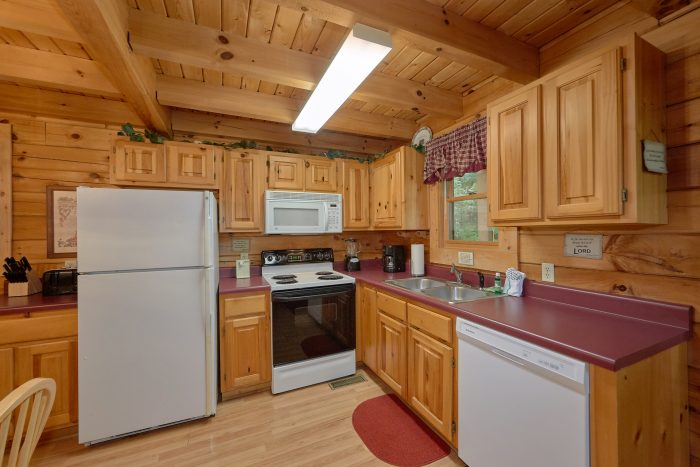2 Bedroom Cabin with a Fully Stocked Kitchen - A Happy Haven