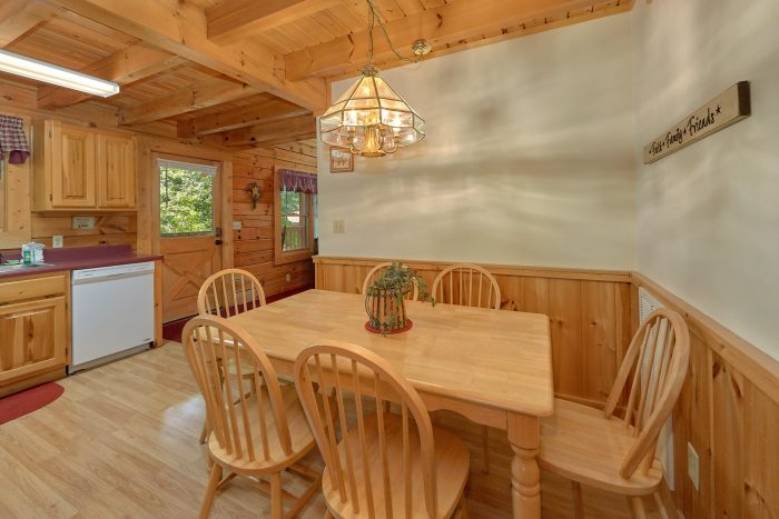 2 Bedroom Cabin with an Eat-In Kitchen - A Happy Haven