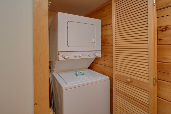 2 Bedroom Cabin with a Washer and Dryer - A Happy Haven