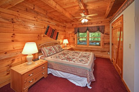 Cabin with Queen Sized Bed - A Hidden Mountain 360