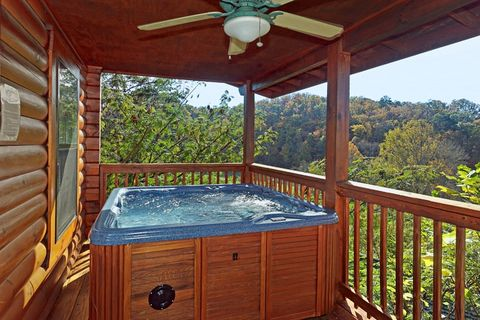 Cozy Hot Tub with Great Views of the Smokies - A Hilltop Heaven