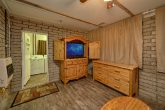 Spacious Master Suite Pigeon Fore Home