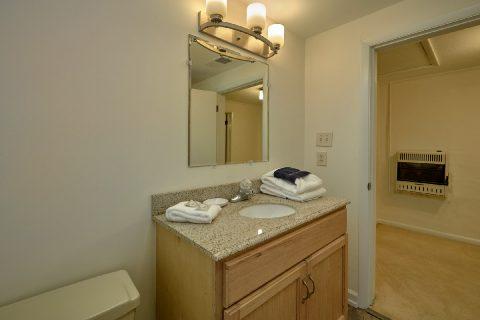 4 Bedroom 2 Bath Home Pigeon Forge Sleeps 10 - A Hop Skip and a Jump