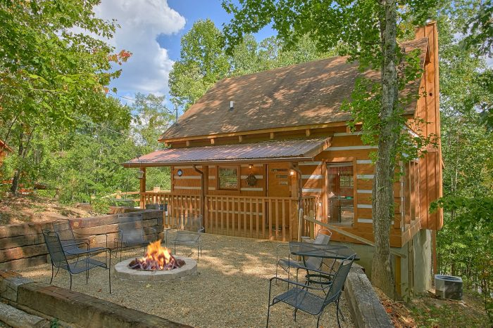 A Hummingbird Hideaway Cabin Rental Photo